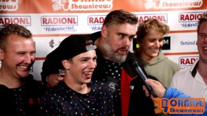 Oranje Shownieuws was te gast bij Mega Piratenfestijn in Oldebroek met William en de feestcommissie