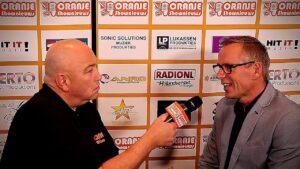 Oranje Shownieuws was te gast bij Fan Café te Enschede met Andre Kooistra
