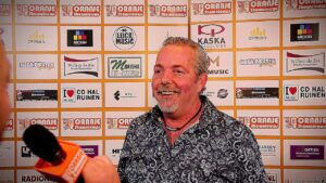 Oranje Shownieuws was te gast bij Fan Café te Enschede met Joop ( Radio Salland )