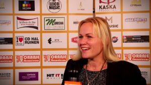 Oranje Shownieuws was te gast bij Fan Café te Enschede met Linda Tapken