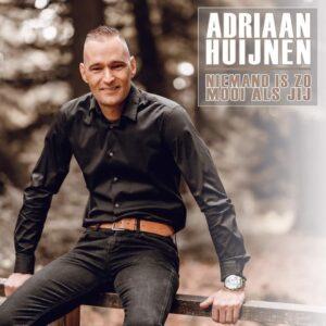 Adriaan Huijnen zingt over de liefde