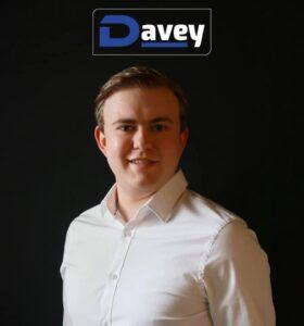 Davey tekent platencontract bij Knock Knock Music