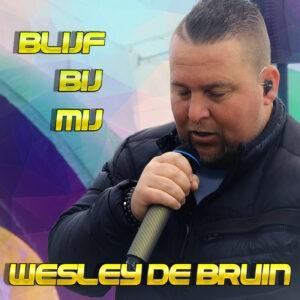 Wesley de Bruin viert opening terrassen met zomerknaller 'Blijf bij mij'