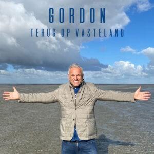 Gordon vindt het vasteland in zijn nieuwe nummer geschreven door Tabitha