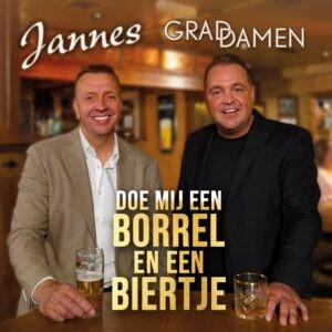 Jannes en Grad Damen proosten samen op hun single Doe mij een borrel en een biertje