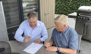 Dave Joosten tekent deal met Nationale Artiesten Parade